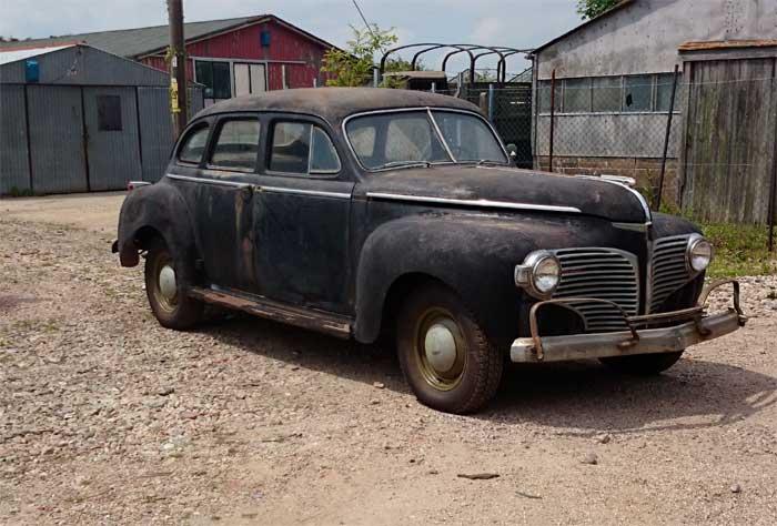 1941 dodge 4 door car light military vehicles milweb for 1941 dodge 4 door sedan