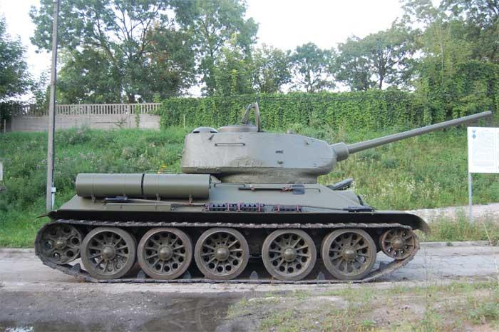 T3485  russischer mittlerer Kampfpanzer mit 85mmKanone